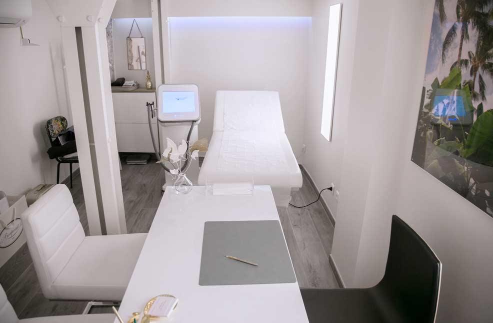 epilation laser homme au centre laser du palais royal paris 01. Black Bedroom Furniture Sets. Home Design Ideas